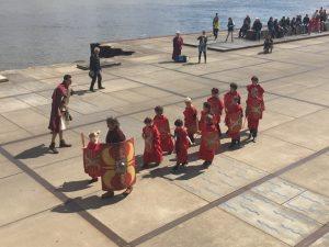 Romeinendag 2016_Marcheren met kinderen